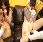街頭でナンパした女の子2人組に友達の前で淫らな行為をさせまくる